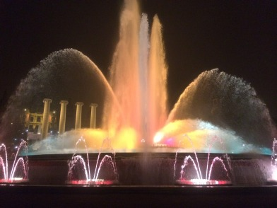 fountain-642176_1920